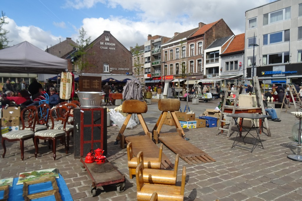 antiekmarkt Tongeren